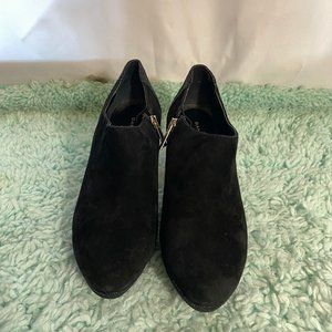 Bandolino Black Suede Zip Up Booties SZ 6